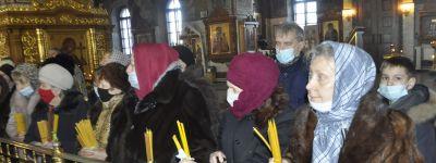 На Сретение в Спасо-Преображенском соборе в Губкине попросили Господа о даровании здоровья, счастья и избавления от бед