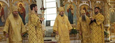 Митрополит Белгородский возглавил служение воскресной литургии в Валуйках по случаю 5-летия архиерейской хиротонии епископа Валуйского