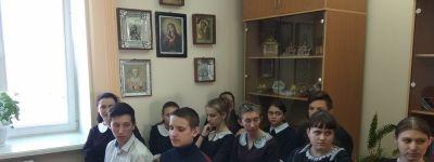 Настоятель храма Рождества Христова в Рождествено дал школьникам Божие благословение на пробный экзамен