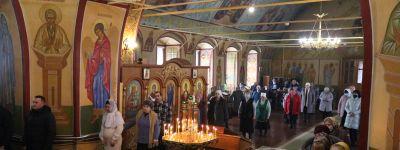 Епископ Валуйский совершил литургию в храме святителя Димитрия Ростовского в городе Алексеевка