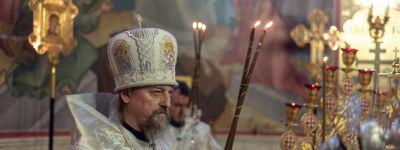 Митрополит Белгородский совершил Божественную литургию в храме преподобного Сергия Радонежского в Старом Осколе