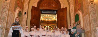 В Спасо-Преображенском кафедральном соборе состоялось торжественное богослужение по случаю дня рождения епископа Губкинского