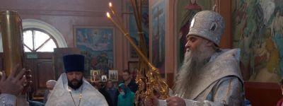 В кладбищенском храме в честь святителя Митрофана Воронежского города Бирюч  возглавил литургию в Димитриевскую субботу епископ Валуйский