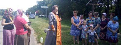 Освящены Поклонные кресты в Плотавце и в Белом Колодце