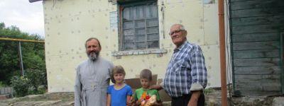 Приход храма Казанской иконы Божией Матери посёлка Томаровка оказал помощь жителям Триречного