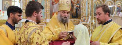 Епископ Валуйский совершил литургию в кафедральном соборе епархии в Валуйках