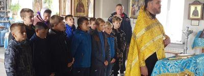 Молебен перед началом детского футбольного турнира совершили в храме Успения Божий Матери в Пролетарском