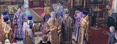 Глава Белгородской митрополии и епископ Валуйский совершили литургию в кафедральном соборе Валуйской епархии