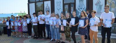 Концерт-благодарение в честь добровольцев прошел на территории храма святых бессребреников Космы и Дамиана в Красной Яруге