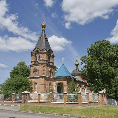Храм Троицы Живоначальной в селе Ломное