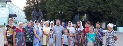 Православные из села Холодное совершили паломничество в Коренную пустынь