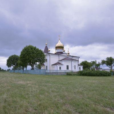 Храм Архистратига Михаила в селе Тёплый Колодезь