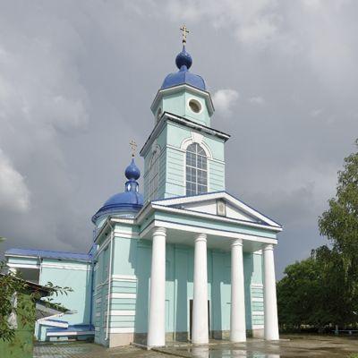 Храм великомученика Георгия Победоносца в селе Истобное