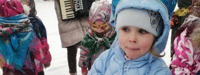 Рождественские колядки организовали в корпусе во имя Царственных Страстотерпцев в православном детском саду в Белгороде