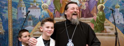 В Белгородской митрополии устроили большой праздник для детей из социальных центров