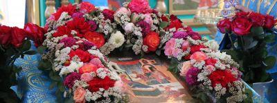 Руководители Валуйского городского округа поздравили православных земляков с Рождеством Пресвятой Богородицы
