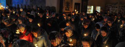 Епископ Валуйский совершил службу в Свято-Троицком кафедральном соборе города Алексеевка