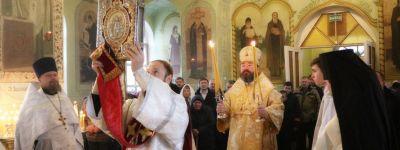 Епископ Губкинский совершил литургию в храме святителя Василия в Крюково и помолился за пострадавших при взрыве