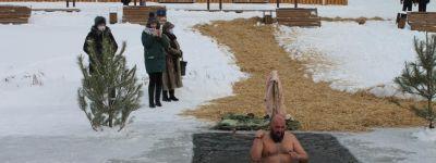 Крестный ход к реке совершили в Ивнянском благочинии